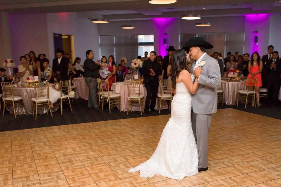 Red Oak Ballroom Houston Citycentre Wedding First Dance