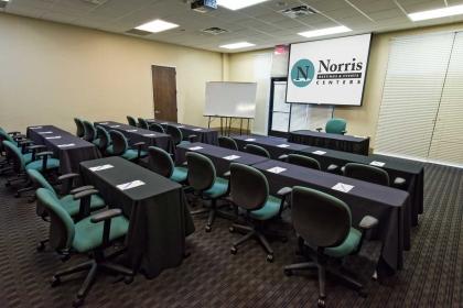 Austin Meeting Classroom Set